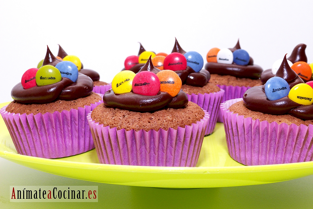 Cupcakes de chocolate con lacasitos